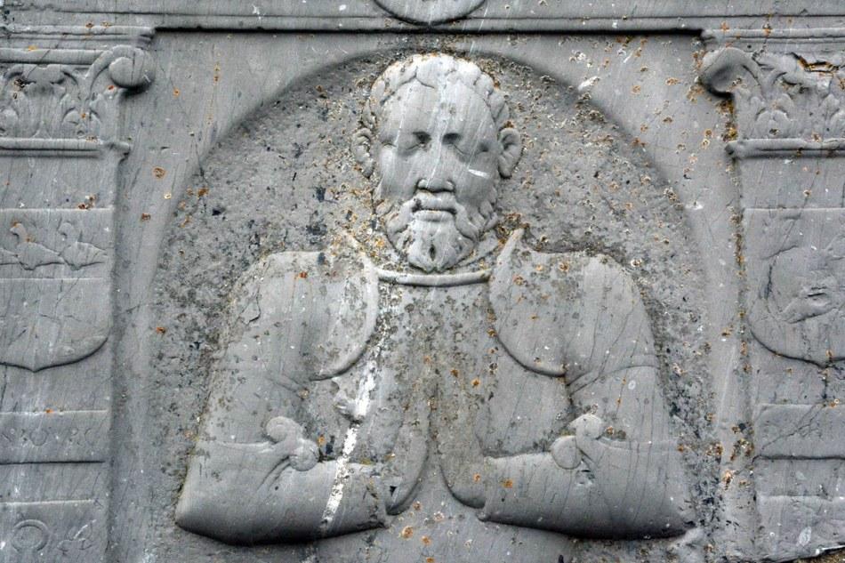 6987 Rendeux Pierre tombale de1573  Grégoire de  Masbourg