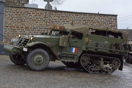 Marcourt - Véhicules militaires